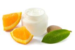 Vochtinbrengende crème met vitaminen royalty-vrije stock afbeelding