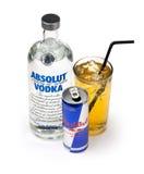 Vodka Redbull et mélange Images stock