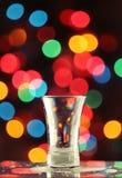Vodka sparata - un vetro vuoto Fotografie Stock