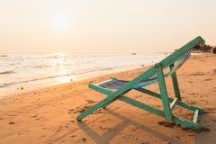 Voederbak op het strand royalty-vrije stock fotografie