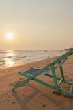 Voederbak op het strand stock afbeeldingen