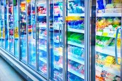 Voedsel in een supermarkt stock fotografie