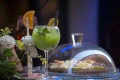 Voedsel en dranken stock afbeeldingen