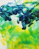 Voedsel het kleuren in water Stock Afbeeldingen