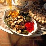 Voedsel in het Terras Stock Afbeeldingen