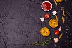 Voedsel, Macaroni, Deegwaren, Spaghetti Samenstelling van deegwaren stock fotografie