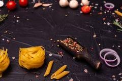 Voedsel, Macaroni, Deegwaren, Spaghetti Samenstelling van deegwaren royalty-vrije stock fotografie