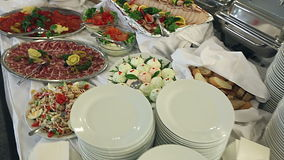 Voedsel op de lijst wordt gediend - de Zweedse lijst die van a.k.a stock videobeelden