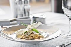 Voedsel in restaurant royalty-vrije stock afbeeldingen