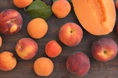 Voedsel van de de abrikozenperzik van de fruit het verse meloen Royalty-vrije Stock Afbeeldingen