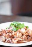 Voedsel van pijlinktvis wordt gemaakt die Stock Foto