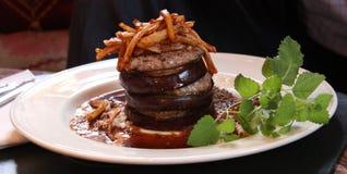 Voedsel Vlees met aubergine Stock Fotografie