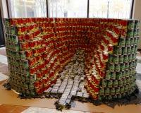 Voedselbeeldhouwwerk bij de 21ste Jaarlijkse concurrentie van NYC Canstruction in New York wordt voorgesteld dat Stock Fotografie