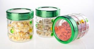 Voedselcontainers op de witte achtergrond royalty-vrije stock foto