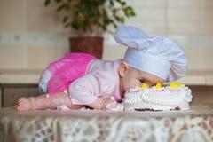 Voedselfoto een jonge huisvrouw Royalty-vrije Stock Afbeeldingen