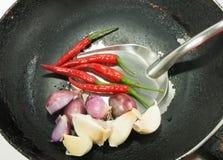 Voedselingrediënt op pan Stock Foto's