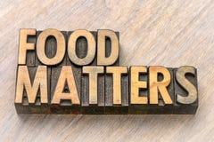 Voedselkwesties in houten type royalty-vrije stock foto's