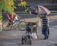 Voedselstraatventer in Montevideo Stock Foto's