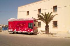 Voedselvrachtwagen in de straat royalty-vrije stock fotografie