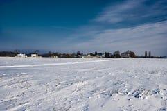 Voeltendorf in de winter Stock Foto