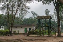 Voer platform op om olifant, Coorg, India te berijden Royalty-vrije Stock Afbeeldingen