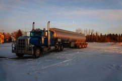 Voertuigen voor de olieindustrie stock fotografie
