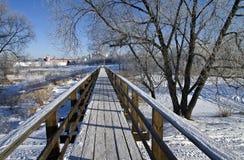 Voet brug in Suzdal, Rusland. Royalty-vrije Stock Afbeeldingen