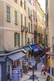 Voet het winkelen straat in Oud Nice Stock Foto