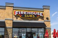 Voet Wayne - Circa Augustus 2017: Firehouse Subs snel toevallig restaurant Firehouse specialiseert zich in hete onderzeese sandwi stock foto
