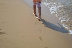 Voetafdruk bij het zand stock afbeelding