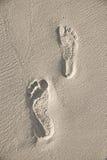 Voetafdrukken op strand royalty-vrije stock afbeeldingen