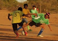 Voetbal amical spel buiten Royalty-vrije Stock Foto's