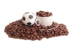 Voetbal en koffie  Stock Foto's