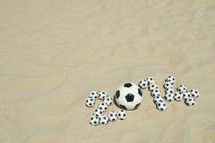 Voetbal 2014 het Strand van het Voetballenbericht Stock Foto