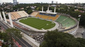 Voetbal rond de wereld, Pacaembu-Stadionsao Paulo Brazil stock foto