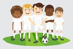 Voetbal of voetbalteam op het gebied met bal Stock Afbeeldingen