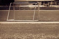 Voetbalpoort op stadion, voetbaldoel stock afbeeldingen