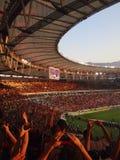 Voetbalventilators bij Maracana-stadion stock fotografie