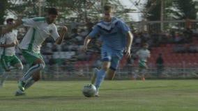 Voetbalwedstrijd van Ingushetia-Team op Lokaal Stadion stock footage