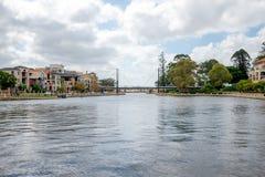 Voetbrug en een kleine haven in Oost-Perth Royalty-vrije Stock Foto