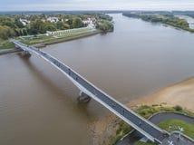 Voetbrug over de Volkhov-rivier stock foto's
