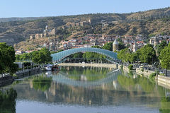 Voetbrug van Vrede in Tbilisi, Georgië Stock Fotografie