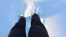 Voeten in de sneeuw in de winter Royalty-vrije Stock Foto