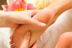 Voeten massage Royalty-vrije Stock Afbeeldingen