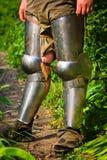 Voeten in ridderlijke bescherming royalty-vrije stock foto