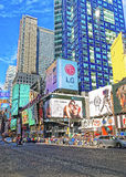 Voetgangers op Broadway in Times Square Royalty-vrije Stock Foto