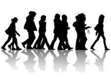 Voetgangers op straat vector illustratie