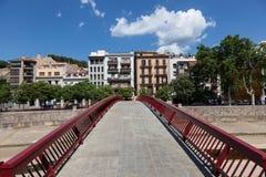Voetgangersbrug in de oude stad van Girona Royalty-vrije Stock Foto