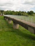 Voetgangersbrug over Floodway Royalty-vrije Stock Foto