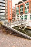 Voetgangersbrug over Kanaal in Birmingham, Engeland royalty-vrije stock foto's